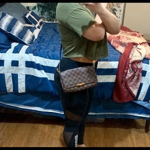 Louis Vuitton Favorite MM (LV favorite crossbody)